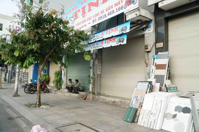 Người Sài Gòn ùa ra đường ngày không cách ly - 14