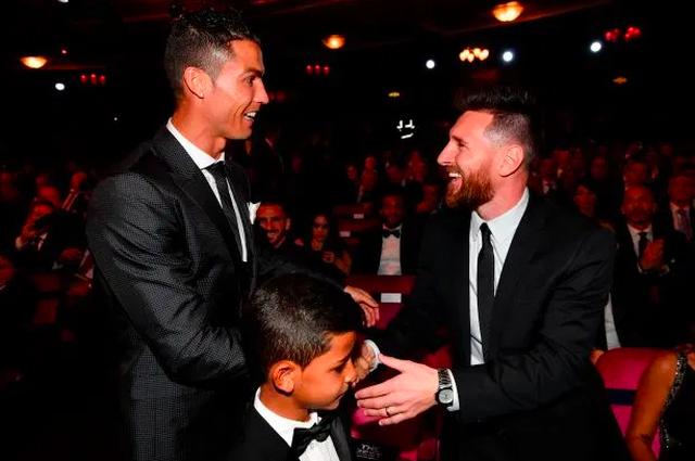 Messi đang tạm dẫn C.Ronaldo về các thông số cá nhân - 3