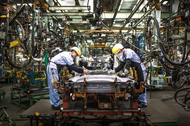Các nhà máy ôtô tại Việt Nam dần khôi phục sản xuất - 1
