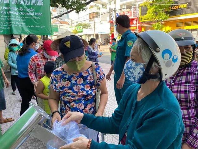 Tập đoàn Thuỷ sản Minh Phú ủng hộ hơn 7 tỷ đồng phòng chống Covid-19 - 1