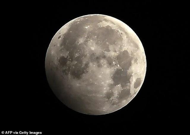 Bản đồ địa chất toàn diện đầu tiên về bề mặt của Mặt trăng - 4