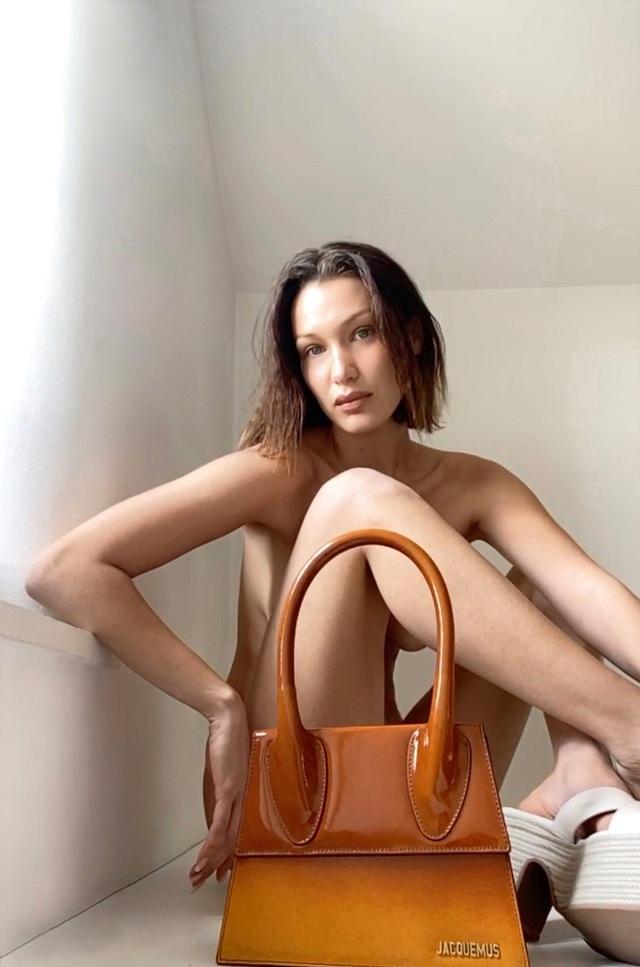 Tránh gặp mặt, người mẫu thời trang giờ chụp hình qua video chat - 5