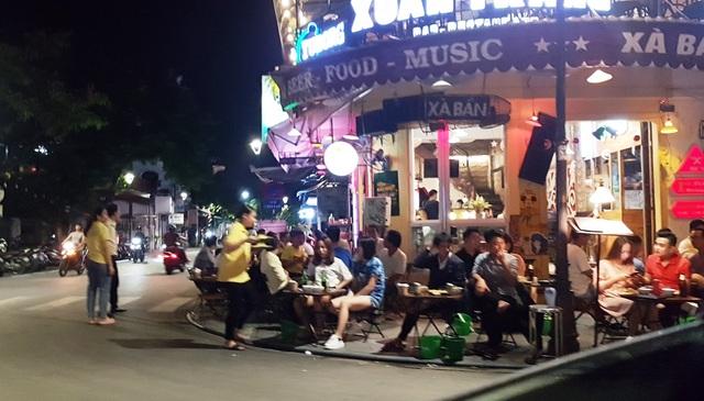 Xử phạt nhiều lái xe uống rượu bia ngay sau ngày dừng cách ly xã hội - 1