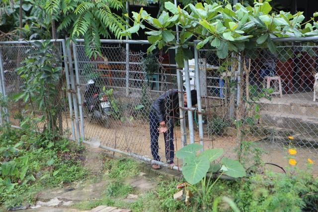 Dân tiếp tục phá rào chắn, mở quán ăn trên tuyến cao tốc dài nhất Việt Nam - 8
