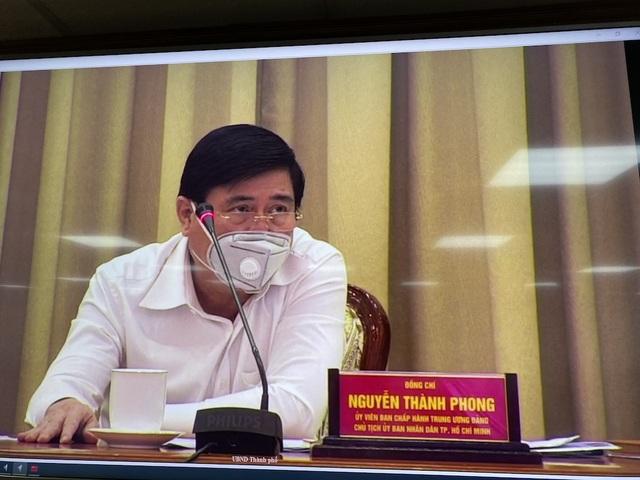 Chủ tịch TPHCM: Sắp tới có gần 10.000 người Việt về nước - 1