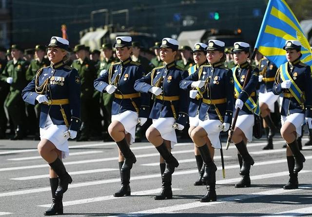 """Những """"bông hồng thép"""" trong lực lượng vũ trang Nga - 11"""