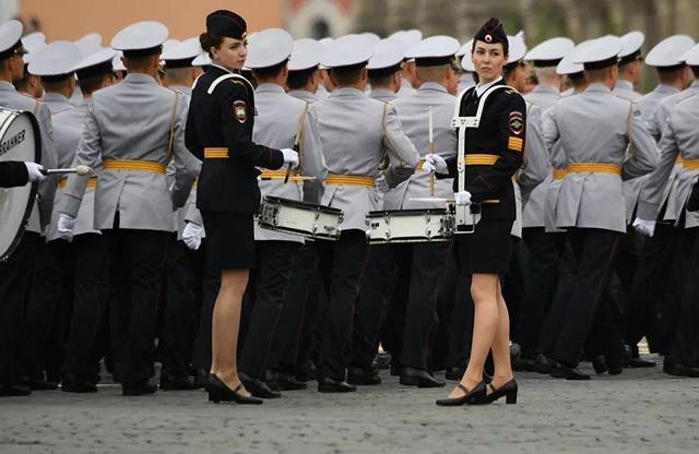 """Những """"bông hồng thép"""" trong lực lượng vũ trang Nga - 8"""