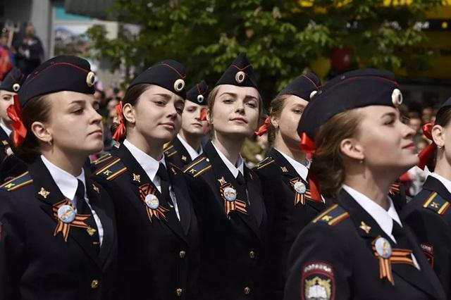 """Những """"bông hồng thép"""" trong lực lượng vũ trang Nga - 5"""