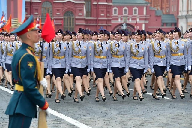 """Những """"bông hồng thép"""" trong lực lượng vũ trang Nga - 9"""
