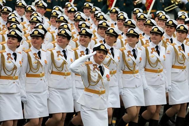 """Những """"bông hồng thép"""" trong lực lượng vũ trang Nga - 7"""