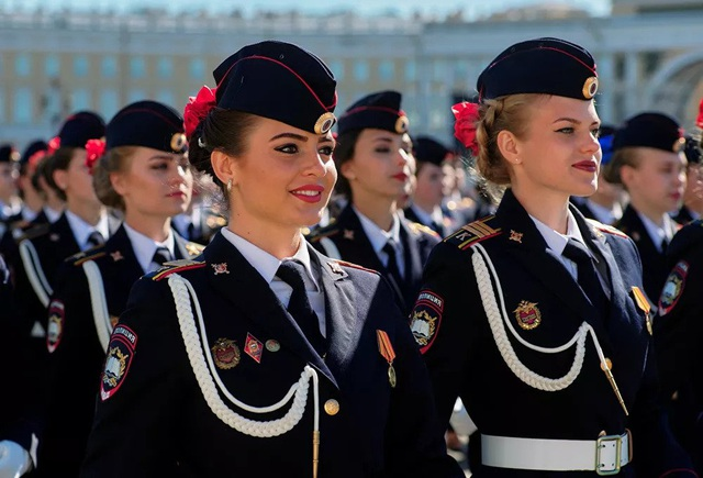 """Những """"bông hồng thép"""" trong lực lượng vũ trang Nga - 1"""