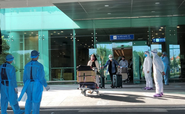 Cần Thơ đón và cách ly 215 công dân về từ Singapore - 2