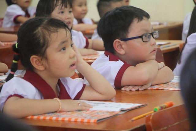 TPHCM: Mật độ học sinh trong lớp từ2m2/người mới đảm bảo an toàn cao nhất - 1