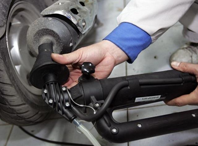 Ôtô phải có camera lùi, xe máy phải kiểm tra khí thải mới được lưu thông - 2