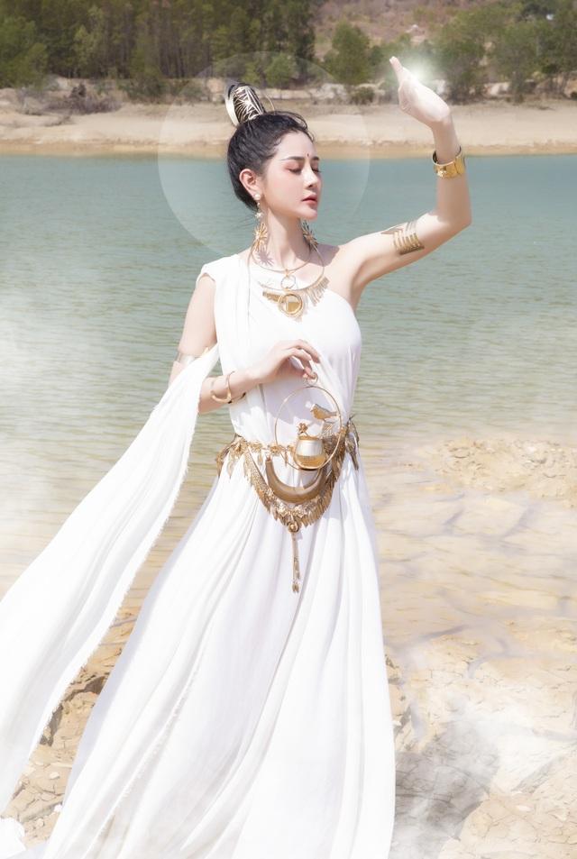 Người đẹp Triệu Hà Vy đẹp thoát tục trong bộ ảnh hóa thân nữ thần - 6