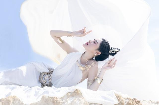 Người đẹp Triệu Hà Vy đẹp thoát tục trong bộ ảnh hóa thân nữ thần - 12