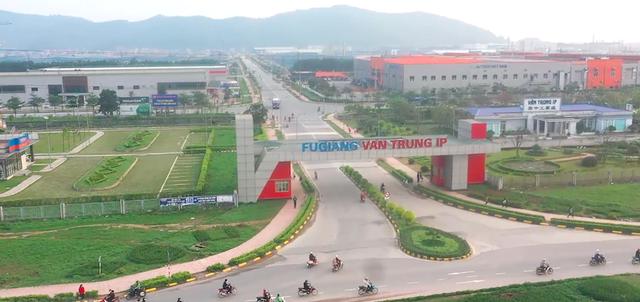 """Doanh nghiệp Trung Quốc xây """"chui"""" 3 toà nhà """"khủng"""" giữa khu công nghiệp - 2"""