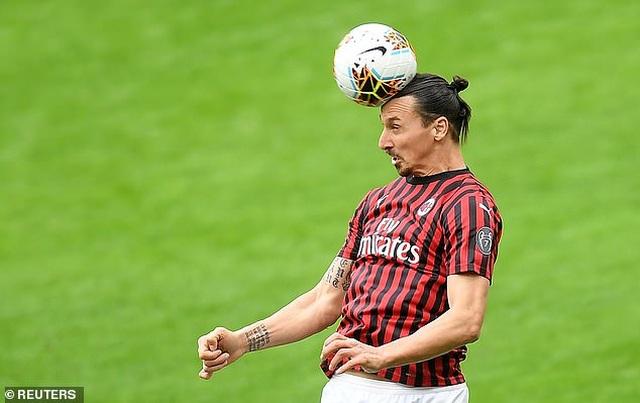 Ibrahimovic ghi bàn trong trận đấu tập tại Thuỵ Điển - 2