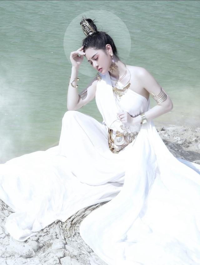 Người đẹp Triệu Hà Vy đẹp thoát tục trong bộ ảnh hóa thân nữ thần - 4