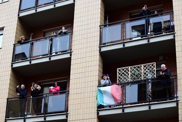Bi kịch những ổ bệnh Covid-19 trong các gia đình Italia  - 2
