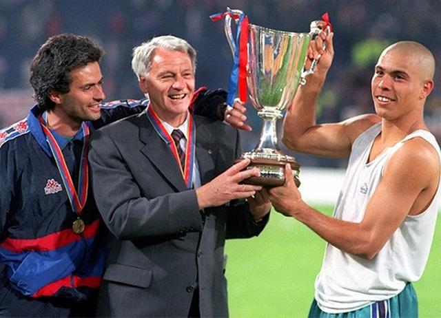 Chọn cầu thủ xuất sắc nhất, Mourinho gạch tên cả Messi lẫn C.Ronaldo - 1