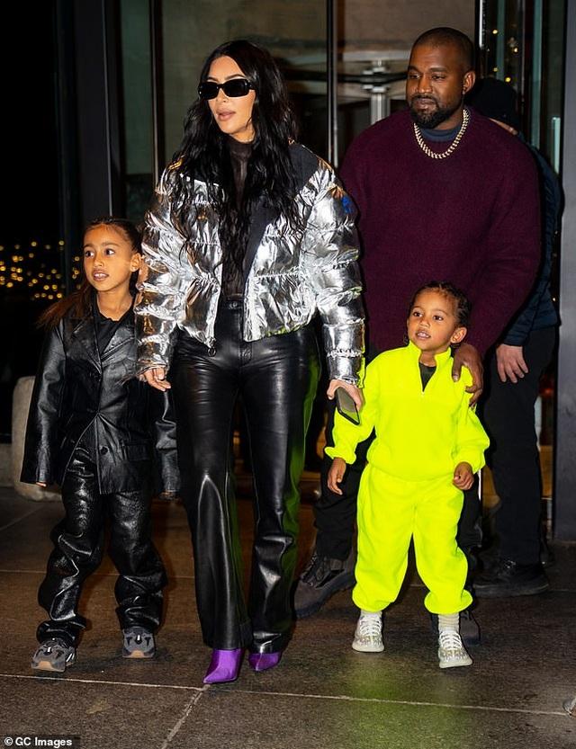 Một gia đình giải trí có hai tỷ phú USD - 3