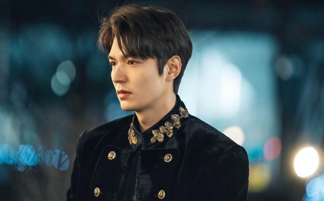 """Sức hút của Lee Min Ho không đủ để giúp phim """"thăng hạng"""" - 1"""