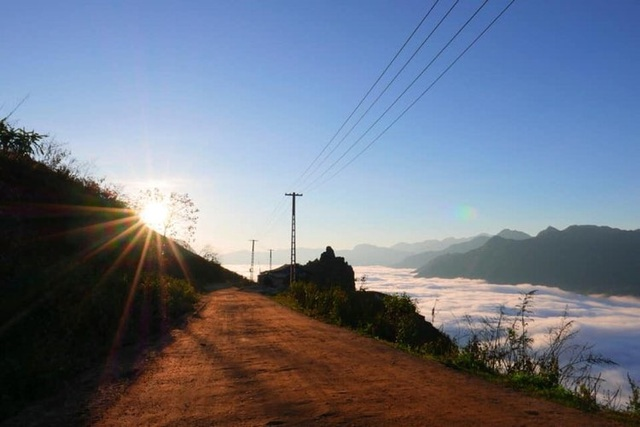 Đẹp hút hồn ngôi nhà gỗ săn mây vạn người mê trên núi cao ở Sa Pa - 9