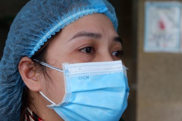 Nữ điều dưỡng tuyến đầu chống dịch và những lần lòng quặn thắt vì xa con - 3