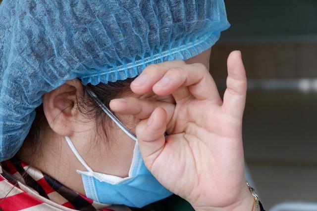 Nữ điều dưỡng tuyến đầu chống dịch và những lần lòng quặn thắt vì xa con - 5