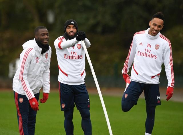 Arsenal cho phép cầu thủ trở lại tập luyện vào tuần tới - 1
