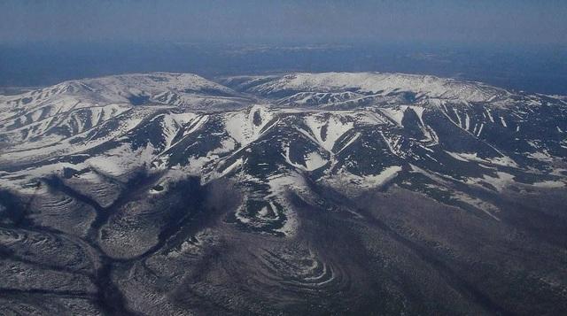 """""""Khối núi kho báu"""" bí ẩn ở Siberia với nhiều kim loại quý - 2"""
