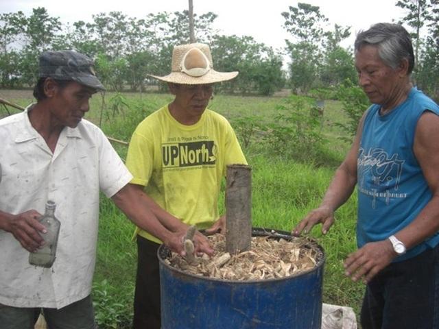 Lõi ngô là thứ vứt đi ở Việt Nam, nay thành mỏ tiền không đủ bán - 8