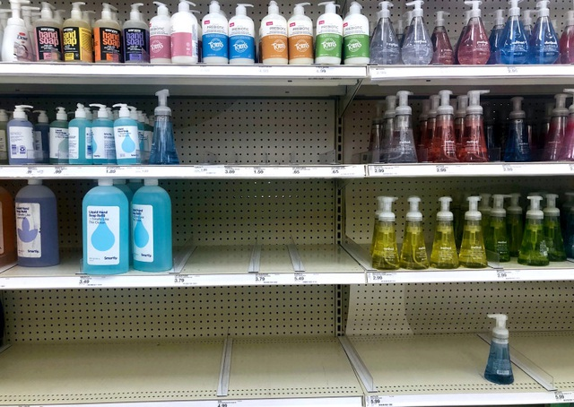 Có nên tự chế nước rửa tay để phòng virus corona? - 1