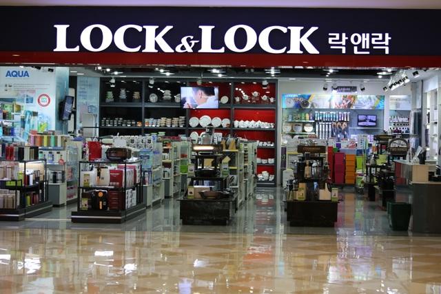 Hà Nội: Trung tâm thương mại vắng khách như đang.... cách ly xã hội! - 5