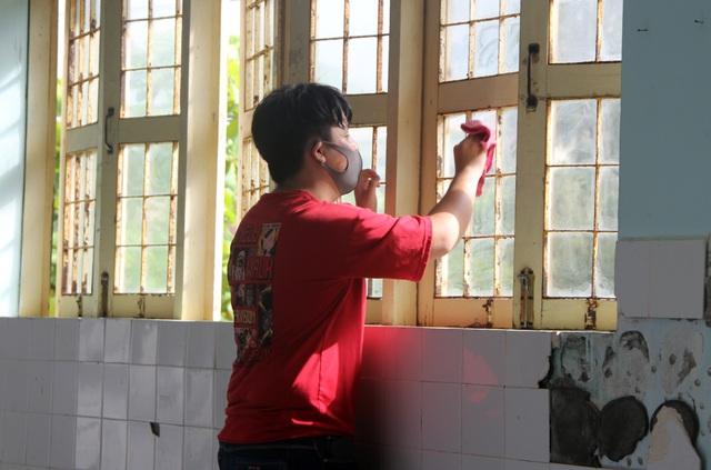 Phú Yên: Các trường khẩn trương dọn vệ sinh để đón học sinh tới lớp - 4
