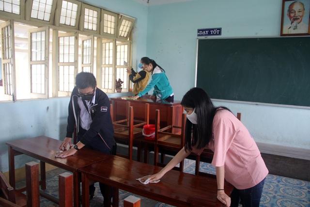 Phú Yên: Các trường khẩn trương dọn vệ sinh để đón học sinh tới lớp - 3