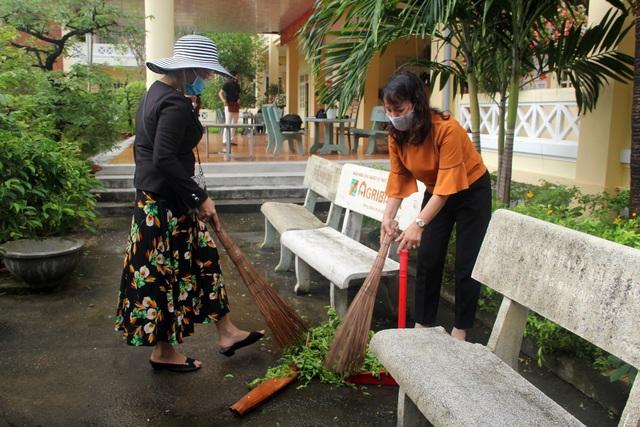 Phú Yên: Các trường khẩn trương dọn vệ sinh để đón học sinh tới lớp - 7
