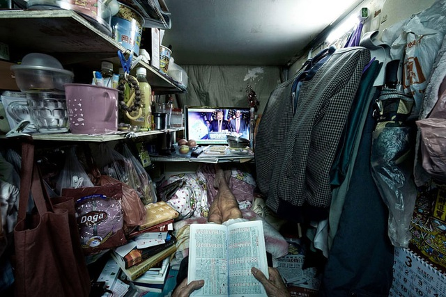 """Người nghèo Hong Kong khốn khổ trong nhà """"quan tài"""" giữa dịch Covid-19 - 2"""