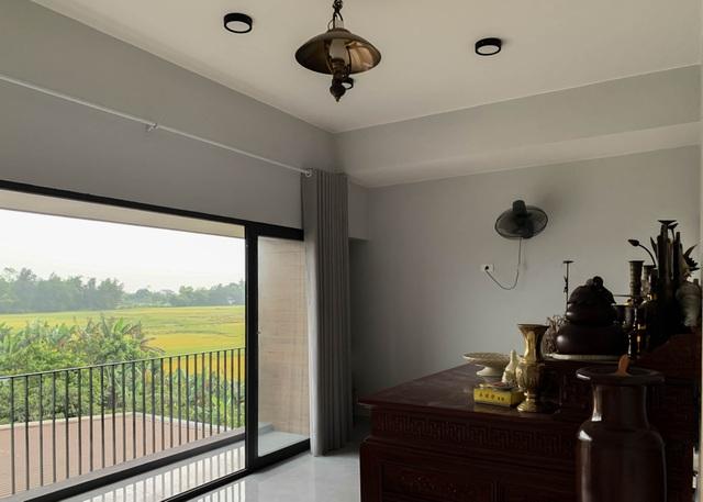 Biệt thự con trai xây tặng bố mẹ đẹp lạ giữa cánh đồng lúa chín ở Hà Tĩnh - 11