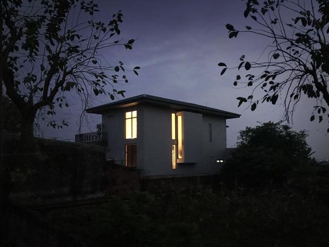 Biệt thự con trai xây tặng bố mẹ đẹp lạ giữa cánh đồng lúa chín ở Hà Tĩnh - 14