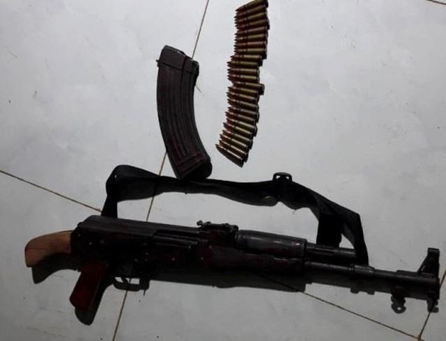 Tuyên án kẻ dùng súng AK bắn người tình rồi tự sát bất thành - 2