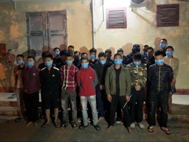 Gần 30 con bạc sát phạt nhau tại quán bi-a - 1