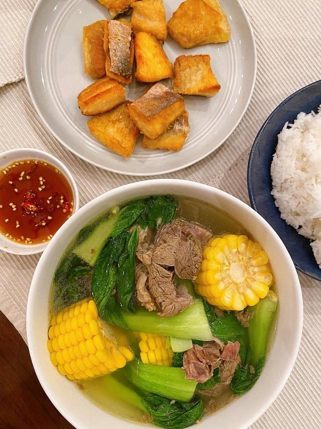 Hà Tăng khiến nhiều người xuýt xoa khi nửa đêm nấu ăn phục vụ hai nhóc tỳ - 8