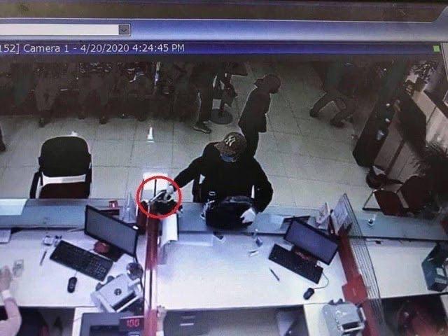 Đối tượng cướp ngân hàng ở Hà Nội ra đầu thú tại Quảng Ninh - 1
