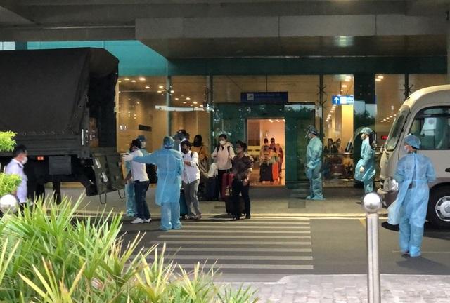 Đưa 105 công dân Việt trở về an toàn từ Indonesia - 1
