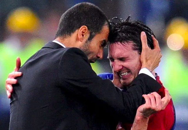 Các huấn luyện viên hàng đầu thế giới nói gì về C.Ronaldo và Messi? - 4