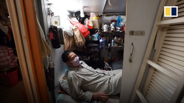 """Người nghèo Hong Kong khốn khổ trong nhà """"quan tài"""" giữa dịch Covid-19 - 1"""