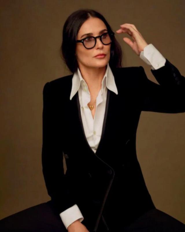 Demi Moore vượt qua tuổi thơ bất hạnh và hôn nhân trắc trở như thế nào? - 11