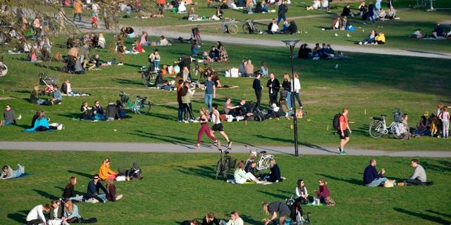 """Thụy Điển tin sắp đạt """"miễn dịch cộng đồng"""" giữa đại dịch Covid-19 - 1"""